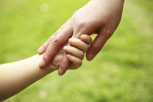 mother-and-child-holding-hands-1