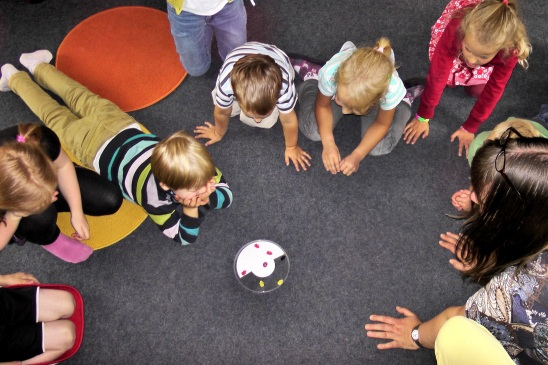play-color-child-children-fun-happy-1331154-pxhere.com
